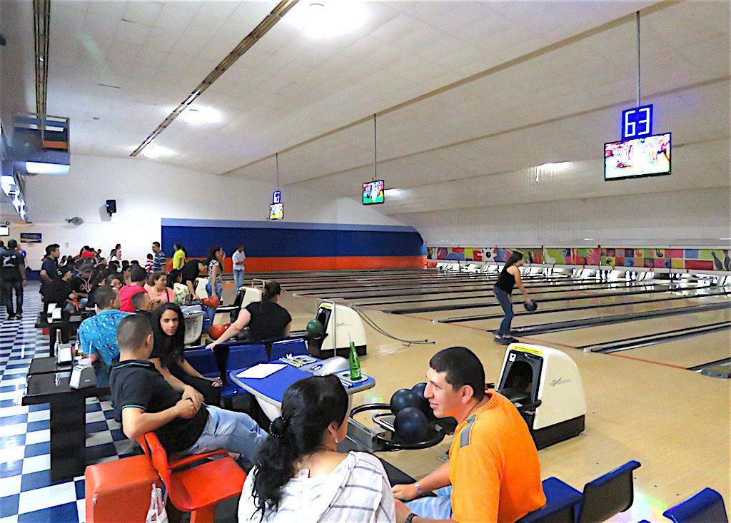Bowlinco Bolera bowling alley