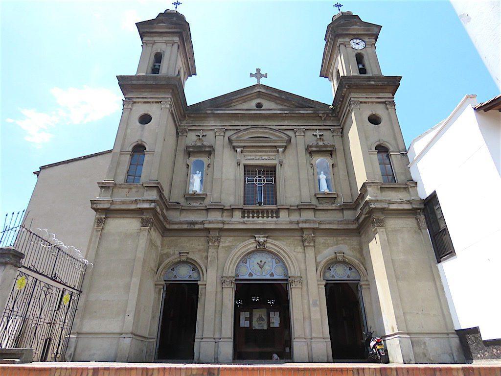 The facade of Iglesia San Antonio