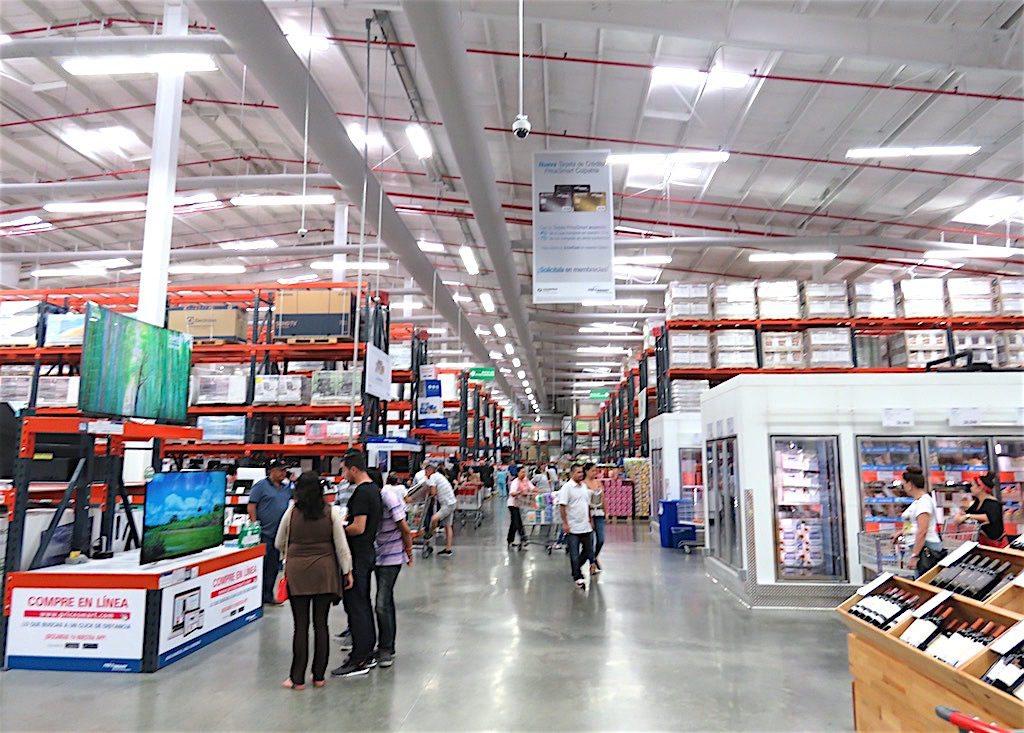 Inside PriceSmart in Medellín