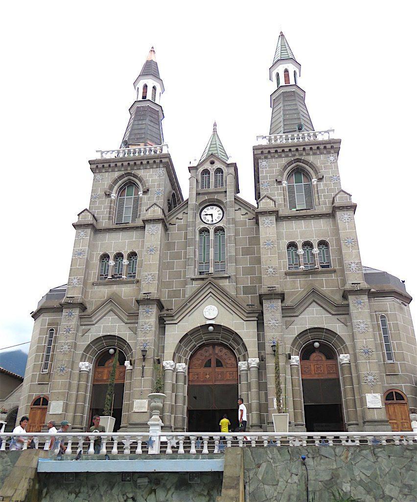 Façade of Basílica Menor de Nuestra Señora del Rosario de Chiquinquirá