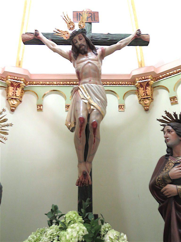 Additional religious artwork