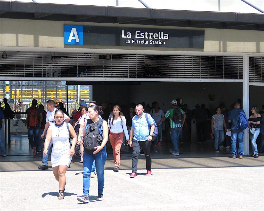La Estrella metro station