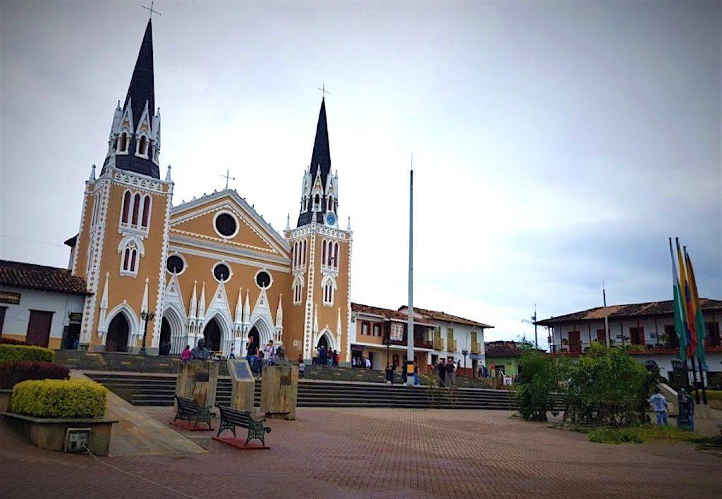 The Abejorral square with Iglesia Nuestra Señora del Carmen