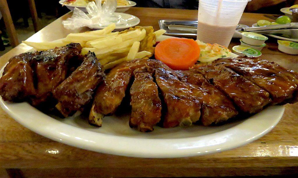 BBQ ribs at El Viejo John