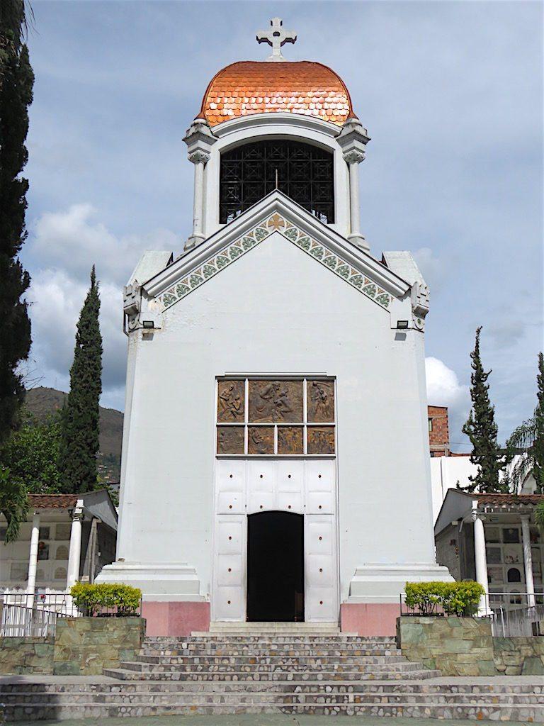 Iglesia del Cementerio San Pedro