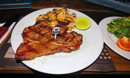 El Correo Carne y Vino: A Popular Steakhouse Chain in Medellín