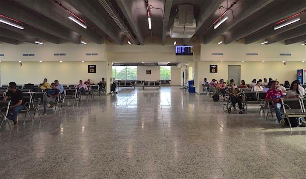 Domestic waiting area at the Barranquilla airport, photo by Grupo Aeroportuario del Caribe S.A.S.