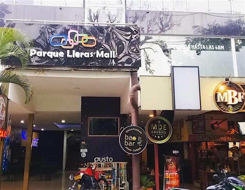 BaoBar is located in the Parque Lleras Mall in Parque Lleras
