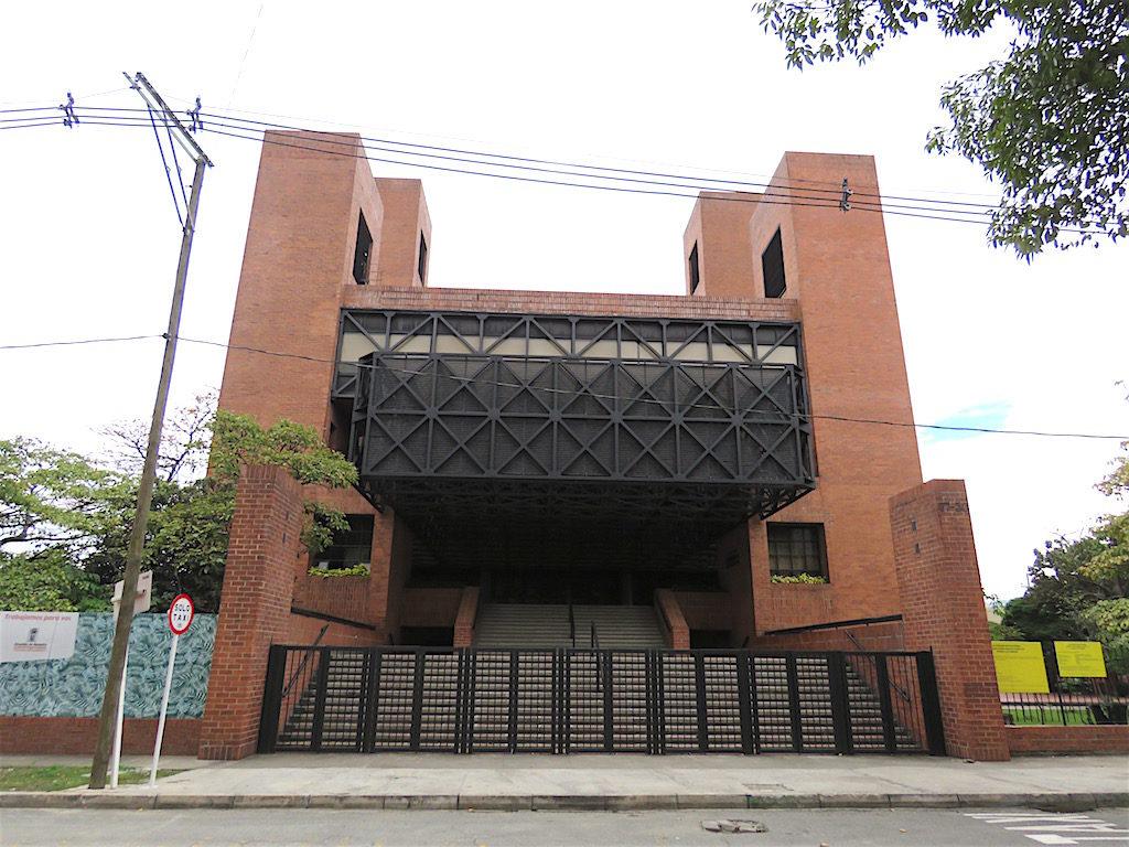 Main entrance of Teatro Metropolitano