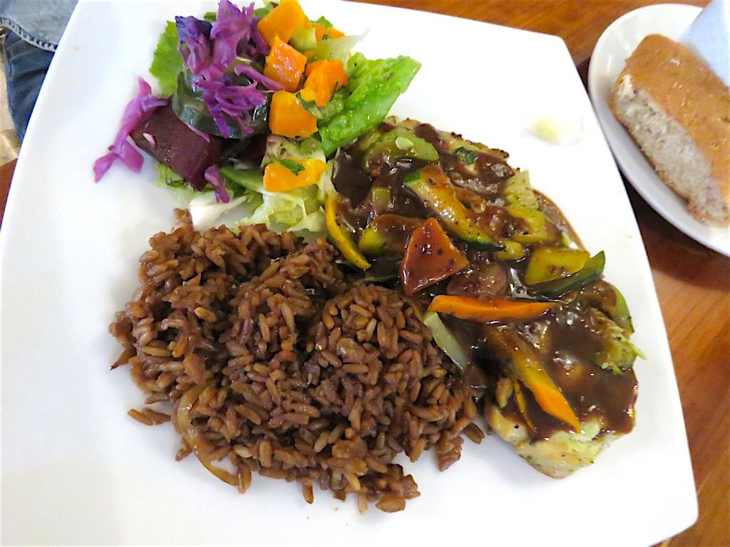 Menu del dia with chicken at Saludpan